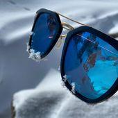 ❄️ Petite #escapade enneigée pour notre modèle LAPURDI 🏔😎 Chez MOU, nous faisons en sorte de créer des #lunettes vous apportant un confort optimal et une protection maximale en toutes circonstances 😉 : ☀️ Les verres polarisants MOU Company suppriment la réverbération sur toute surface réfléchissante et vous assure une protection à 100% contre les UV 👀 Le traitement anti-reflets MOU permet d'avoir un meilleur contraste et d'avoir une #vision plus nette 💦 Notre traitement hydrophobe empêche les gouttes d'eau et les corps gras d'adhérer sur les verres➡️Découvrez tous nos modèles de #lunettesdesoleil et #lunettesdevue en #bois sur moucompany.fr ou chez votre #opticien #lunettesenbois #snowday #woodworking #sunglasses #sunglassesfashion #happy #lifestyle #nature #snow #powder #faitmain #fabricationartisanale #montagne #ski #randonnée #love #naturelovers📸 @marianne_coeur_de_lion