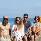 Une bonne fête à tous nos barbus !📸 @studio_delion#journeemondialedelabarbe #barbu #mou #moucompany #lunettesenbois #sunglasses #ecoresponsable #biarritz #ecofriendly