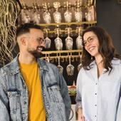 ☀️ On continue la semaine avec le sourire grâce à notre duo de choc @leasarasola et @olivier_den 🤓😃 Léa porte le modèle PRADERA et Olivier porte le modèle ANGELU de notre LIGHT COLLECTION #lunettesenbois , carbone et titane pour plus de légèreté et de solidité 💪🌿 Toutes nos #lunettes sont en #bois et faites à la main 🤚 Découvrez nos collections de #lunettesdevue et de #lunettesdesoleil sur moucompany.fr ou chez votre #opticien 😎🤓 ➡️Pour plus d'informations n'hésitez pas à nous contacter 😉 📸 @clemlevet 👩 @leasarasola 👨 @olivier_den#fabricationartisanale #eyewear #sunglasses #smileeveryday #opticiens #woodworking #wooddesign #woodcraft #travaildubois #biarritz #paysbasque #nature #lifestyle #modeecoresponsable #modeethique #mode #accessoire #naturelovers #instamoment #faitmain #fashionstyle #photography #goodvibes #boismassif