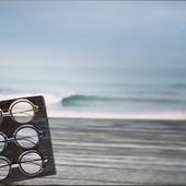 Découvrez notre - Modèle SAGARRA - EDEN COLLECTION Alliance de #boismassif et de carbone pour des montures légères, résistantes, #originales et surtout élégantes 🌿🤩 Design épuré et coloré pour un look et des montures uniques 😎🤓 Toutes nos collections et nos modèles sont disponibles sur moucompany.fr ou chez votre #opticien partout en #France #Montagne🏔 #Ocean 🌊 unifié#lunettesenbois #lunettes #lunettesdevue #woodworking #woodcraft #lifestyle #nature #look #modeethique #naturelovers #faitmain #fabricationartisanale #carbone #titane #bois #biarritz #anglet #paysbasque #bluesky #spot #surf #waves🌊