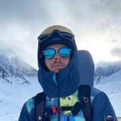 On a profité des #vacances pour se balader en #montagne et bien sûr avec nos Mou 🏔❄️ Modèle LAPURDI - LIGHT COLLECTION #Lunettesdesoleil en #bois, verres polarisés UV400 effet miroir pour une protection maximale 🎿❄️😎 Idéales pour la montagne 🏔 Choisissez entre deux essences de bois 🟦🟫 et deux teintes de verres polarisés📸 @marianne_coeur_de_lion 👨 @bertrand.pilon#lunettesenbois #lunettesdesoleil #lunettes #sunglasses #nature #naturelovers #biarritz #pyrenees #lifestyle #ecofriendly #woodworking #eyewear #faitmain #createur #opticien #lunetier #photography #happylife #smile #ocean #mountains #love #travel #happy #picoftheday