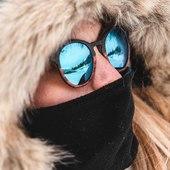 Oceane n'est jamais sans ses MOU 😍 Depuis 2015 nous développons des collections de lunettes et montres en bois pour satisfaire les amoureux de la #nature 🌿🏔🌊 mais pas que... Nous créons des modèles #uniques, originaux et élégants pour femmes et hommes 🤓😎 Toutes nos #lunettes sont en #boismassif et #sansplastique 🌿♻️Disponibles sur moucompany.fr ou chez votre #opticien 📸 @nicoprg 👩 @oceane_cam #lunettesenbois #woodworking #handmade #woodcraft #bois #woodlovers #moutains #lifestyle #ecofriendly #naturelovers #look #modeethique #ecoresponsable #ecoconception #artisanat #faitmain #biarritz #sunglasses #travel #lunettesdevue #lunettesdesoleil #montagne #ocean #smile